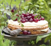 Placek wiśniowy z polewą śmietanową - przepis na pyszne ciasto
