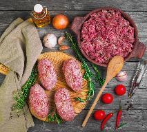 Mielone z grilla - bifteki nadziewane warzywami i serem feta
