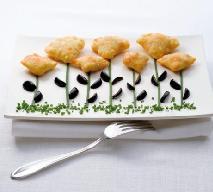 Stożki nadziewane mięsem i pasta oliwkową - przepis na danie dla niejadka
