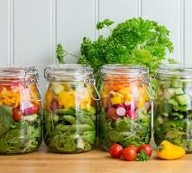Warzywa konserwowe: jak zrobić przetwory na zimę? [przepis]