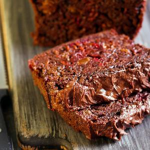 Ciasto czekoladowo-buraczane: nietuzinkowe i pyszne [przepis]
