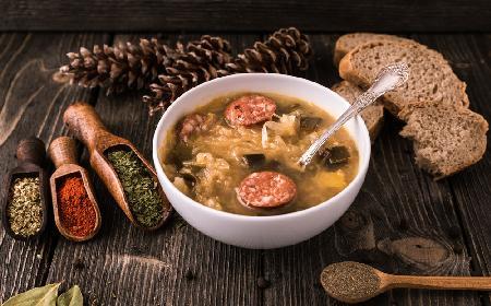 Esencjonalna zupa niebecz z kiszoną kapustą: specjalność kuchni lubuskiej