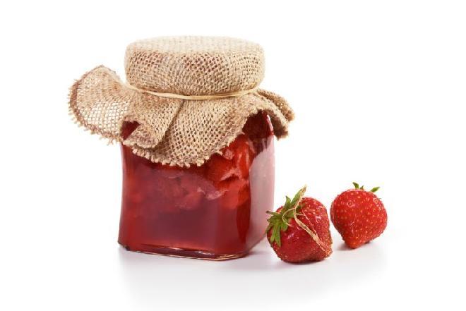Niskokaloryczny dżem truskawkowy: najprostszy przepis