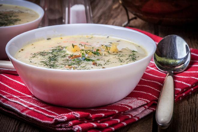 Kartoflanka z grzybami: przepis na łatwą i pożywną zupę