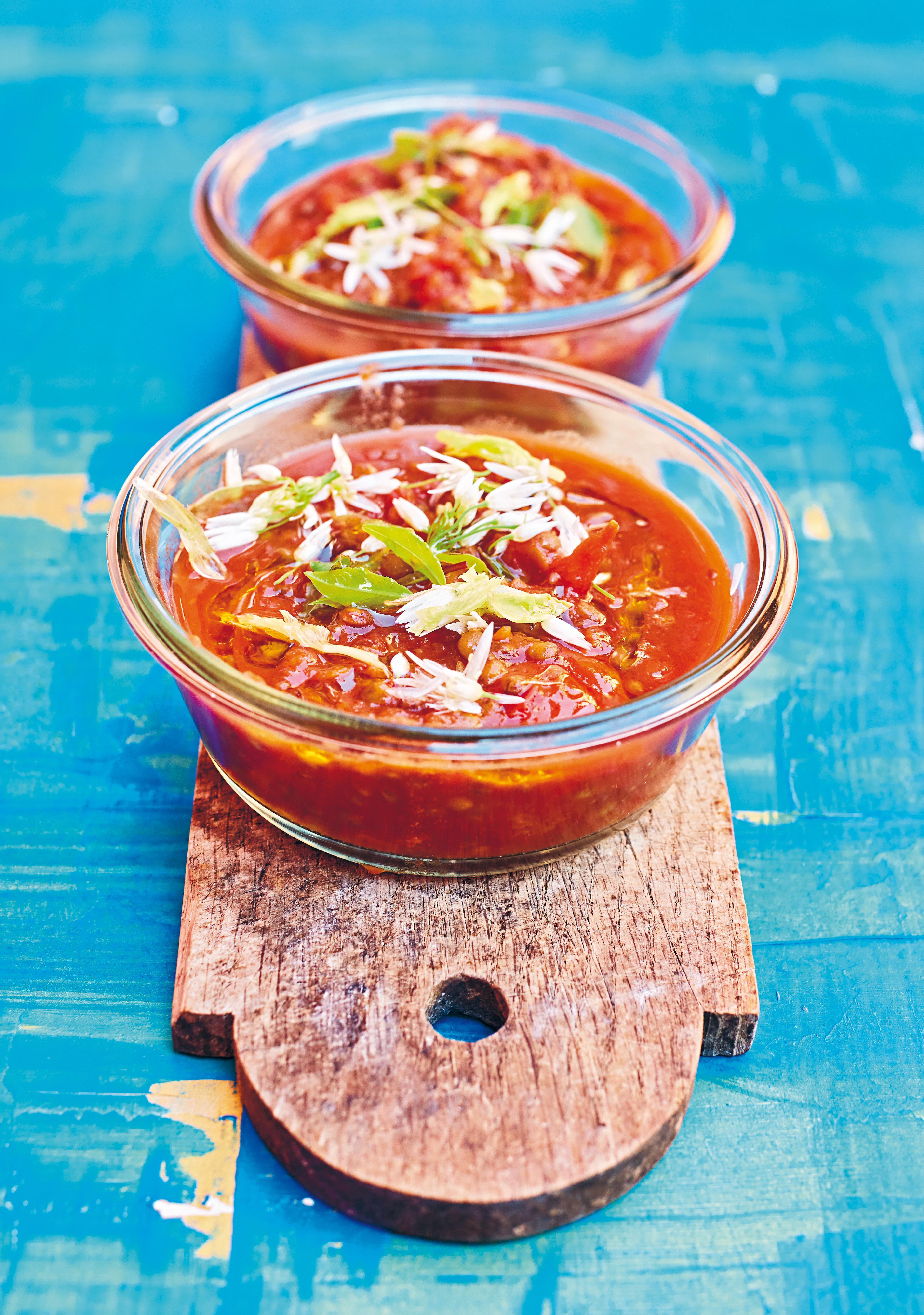 Kliknij: Ostra zupa pomidorowa z soczewicą - przepis z książki Happy Food 2.0