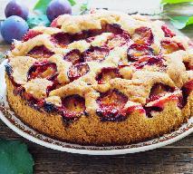 Szybkie ciasto ze śliwkami - przepis na proste ciasto owocowe [WIDEO]