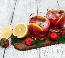 Zmysłowy napój na randkę lub Walentynki - przepis na truskawkowy eliksir miłości