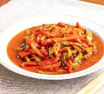 Piperade: duszona papryka w pomidorach po baskijsku