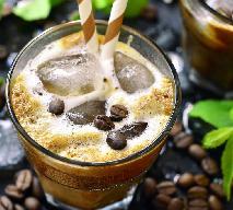 Australijska kawa mrożona z lodami: przepis na letnią kawę mokka