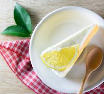 Ciasto lemoniadowe - pyszny deser z lemoniadą i waniliową pianką