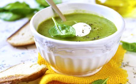 Zupa bazyliowa - przepis z menu beszamel