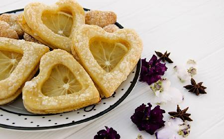 Kruche ciasteczka cytrynowe - słodko-kwaśna przyjemność