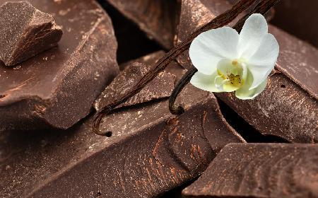 Co to jest kuwertura? Czym się różni kuwertura od gorzkiej czekolady?