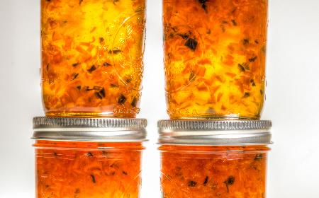 Dżem z brzoskwiń i jalapeño: przepis na słodko-ostry dodatek do mięs i serów