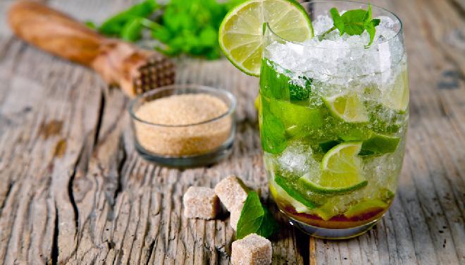 Jak zrobić mojito? Dobry przepis na kultowy drink!