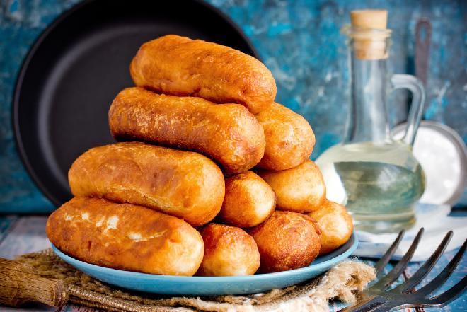 Biała kiełbasa w cieście  z gotowanych ziemniaków