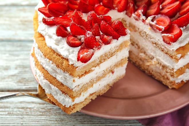 Krem do tortu z serka mascarpone i bitej śmietany - lekki i aksamitny
