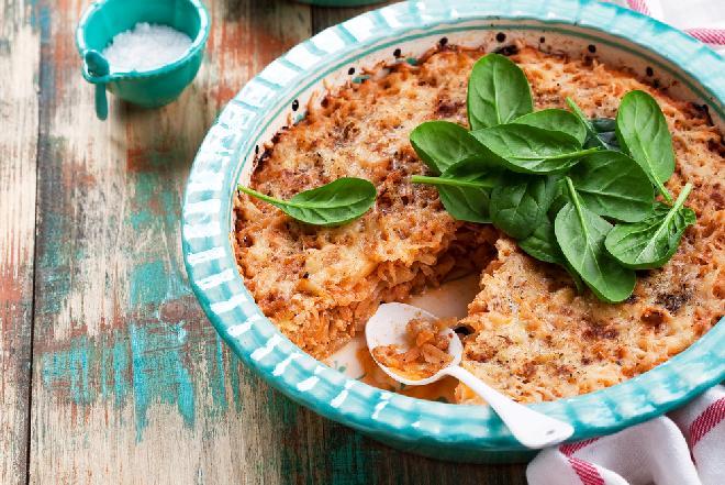 Warstwowa zapiekanka z mięsa mielonego i kapusty: łatwy przepis na obfity obiad