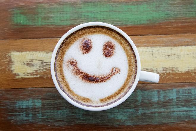 Jak zrobić idealną kawę w domu? 5 sposobów na czarny napar, jak z kawiarni
