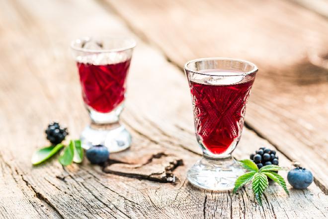 Nalewka z jagód: przepis na nalewkę jagodową